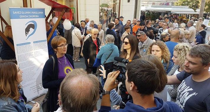 Savez gluhih i nagluhih Grada Zagreba obilježio Međunarodni dan gluhih 2017. na Cvjetnom trgu